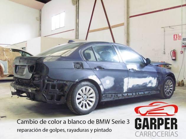 BMW 3 cambiado de color de gris a blanco en el Taller de Carrocerías Garper en Gijón, Asturias